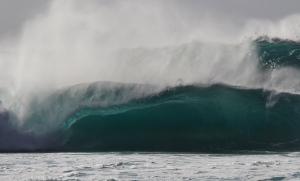 Pipeline spilling out the back and plunging on the inside.