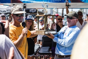 Jack Thill Perpetual Bodysurfing Trophy: Bill Schlidge and Dr. Hal Handley Photo: Rod Hepburn