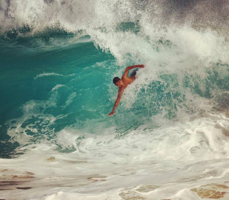 Hawaii- Rider: Nathanael Photo: @unko_shots