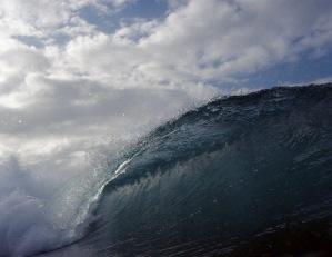 Niknonos wave photograph